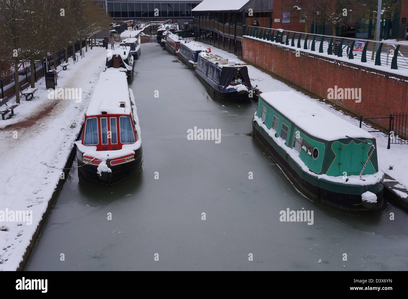 Castle quay shopping centre with oxford canal in foreground - banbury uk - Stock Image