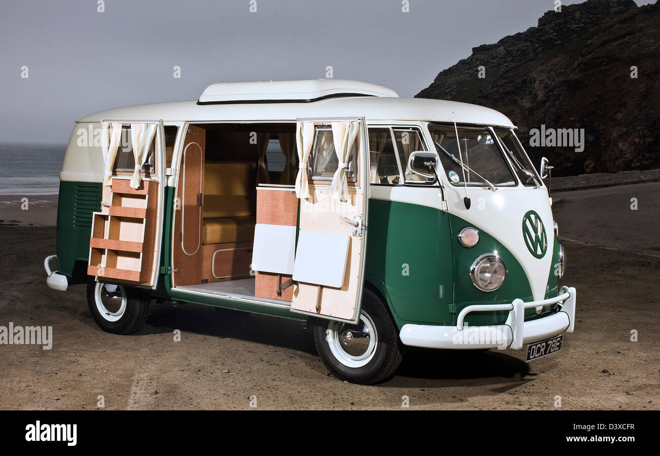 VW campervan in coastal St Agnes, Cornwall, UK - Stock Image
