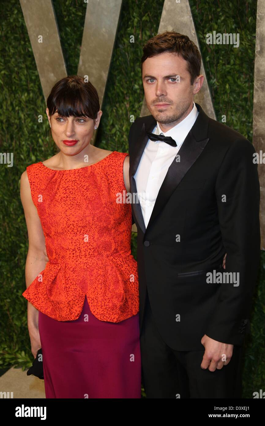 Los Angeles, USA. 24th February 2013. NewsUS actors Summer Phoenix and her husband Casey Affleck arrive for the - Stock Image
