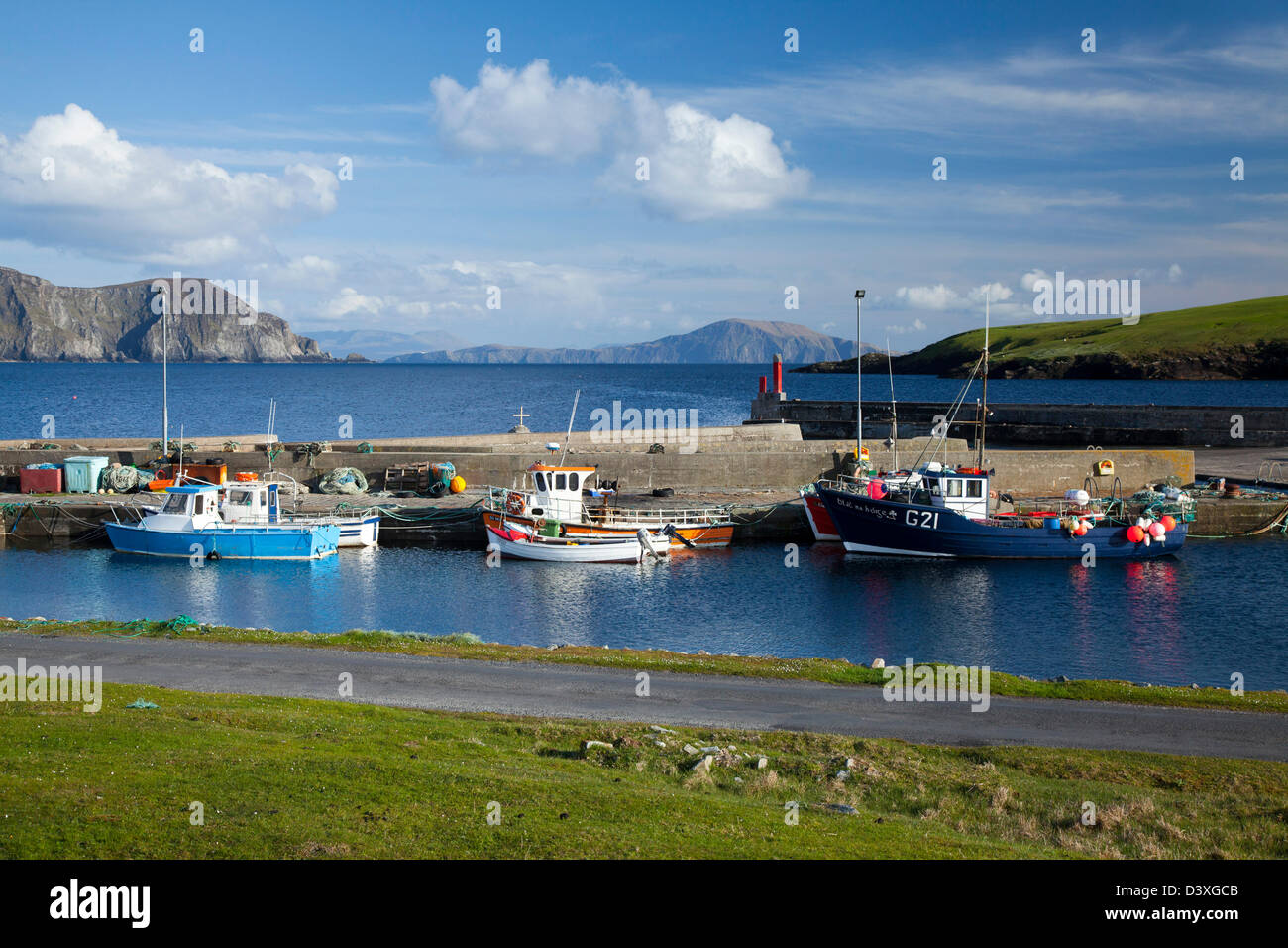 Fishing Boats at Purteen Harbour, Achill Island, County Mayo, Ireland. - Stock Image