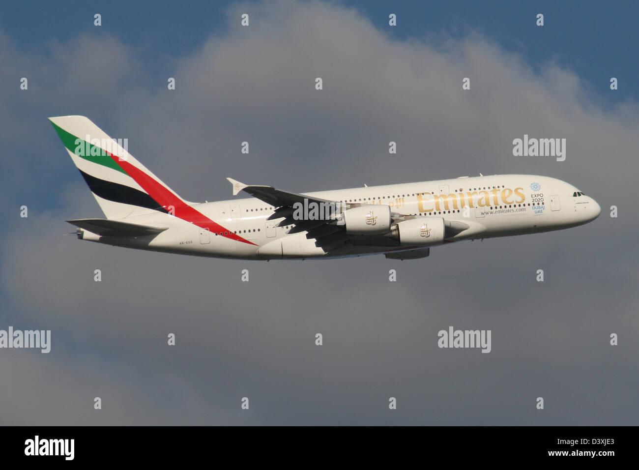 EMIRATES AIRLINE UAE AIRBUS A380 - Stock Image