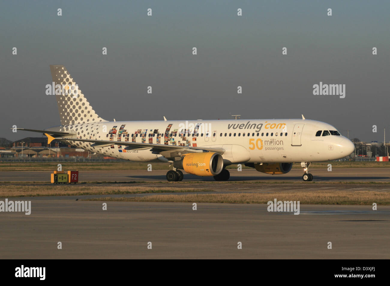 VUELING AIRLINES SPAIN - Stock Image