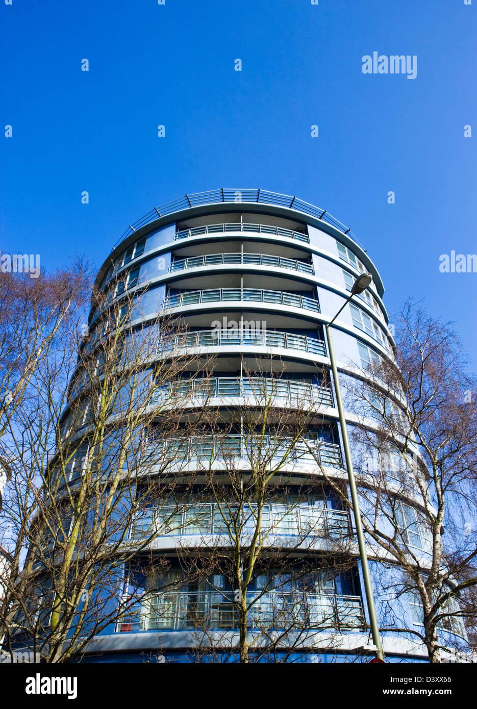 Modern apartments. Woking, Surrey, UK. - Stock Image
