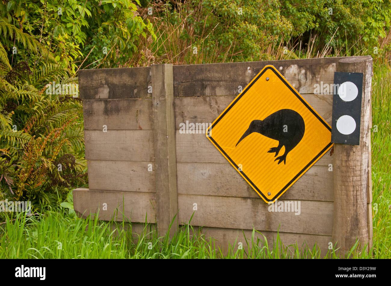 Kiwi crossing sign Invercargill, New Zealand - Stock Image