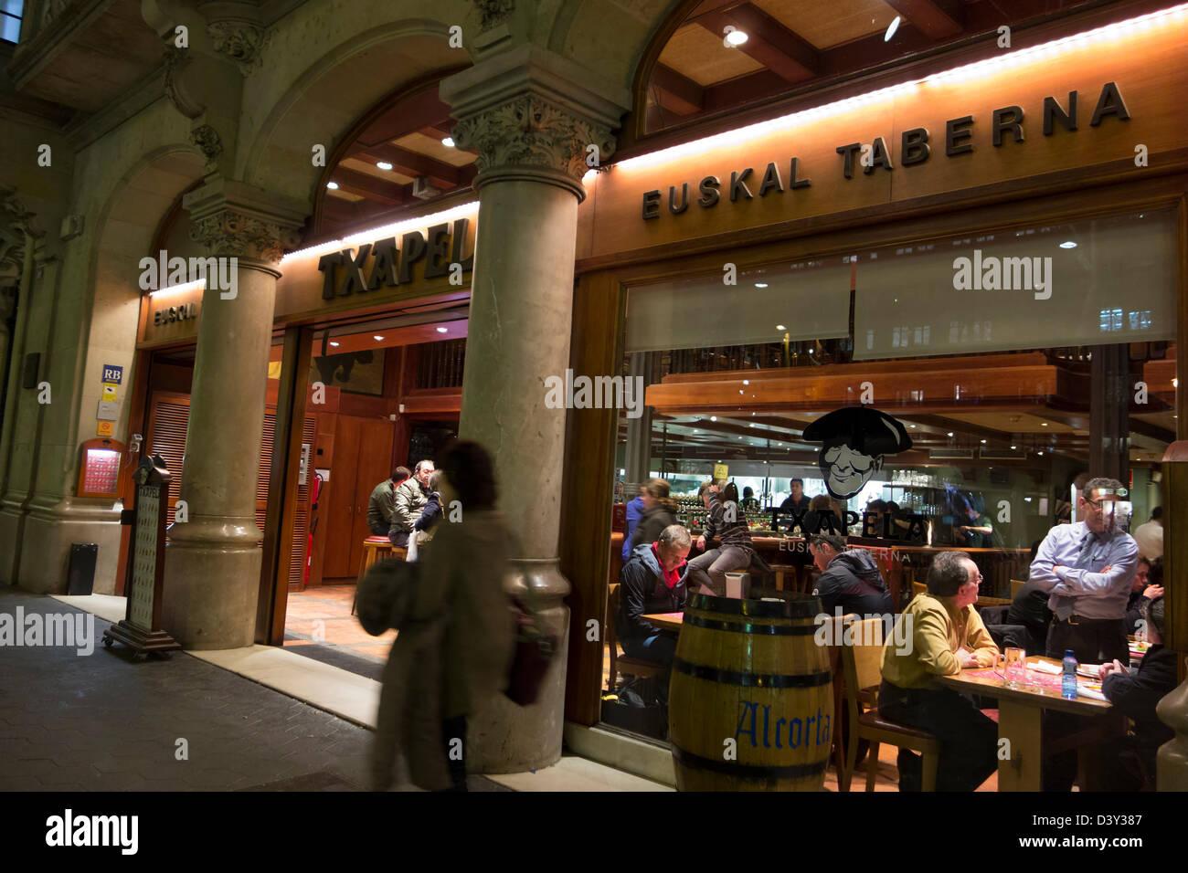 Txapel taberna, Barcelona, Spain, Europe - Stock Image