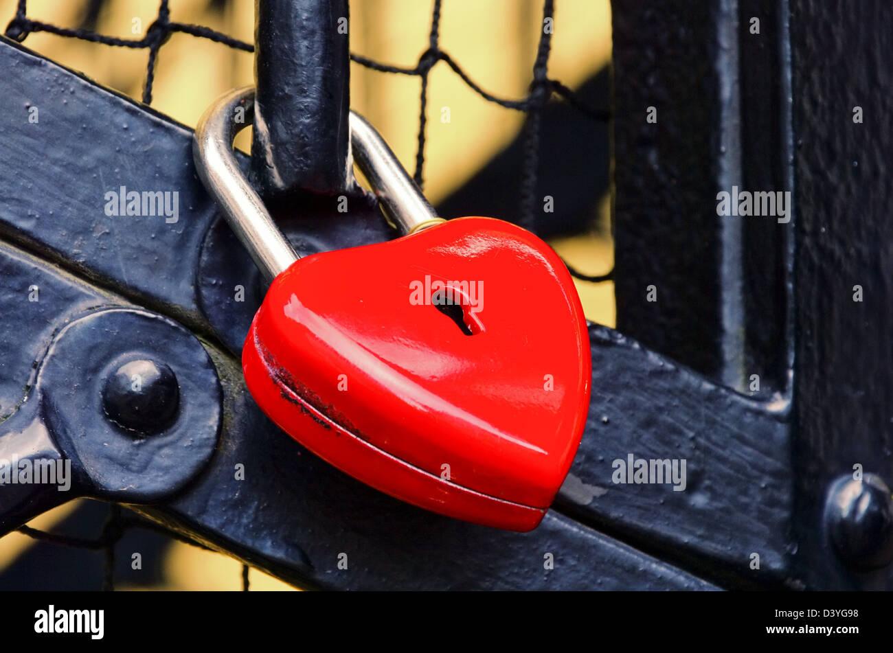 Schloss als Herz - padlock heart 01 - Stock Image