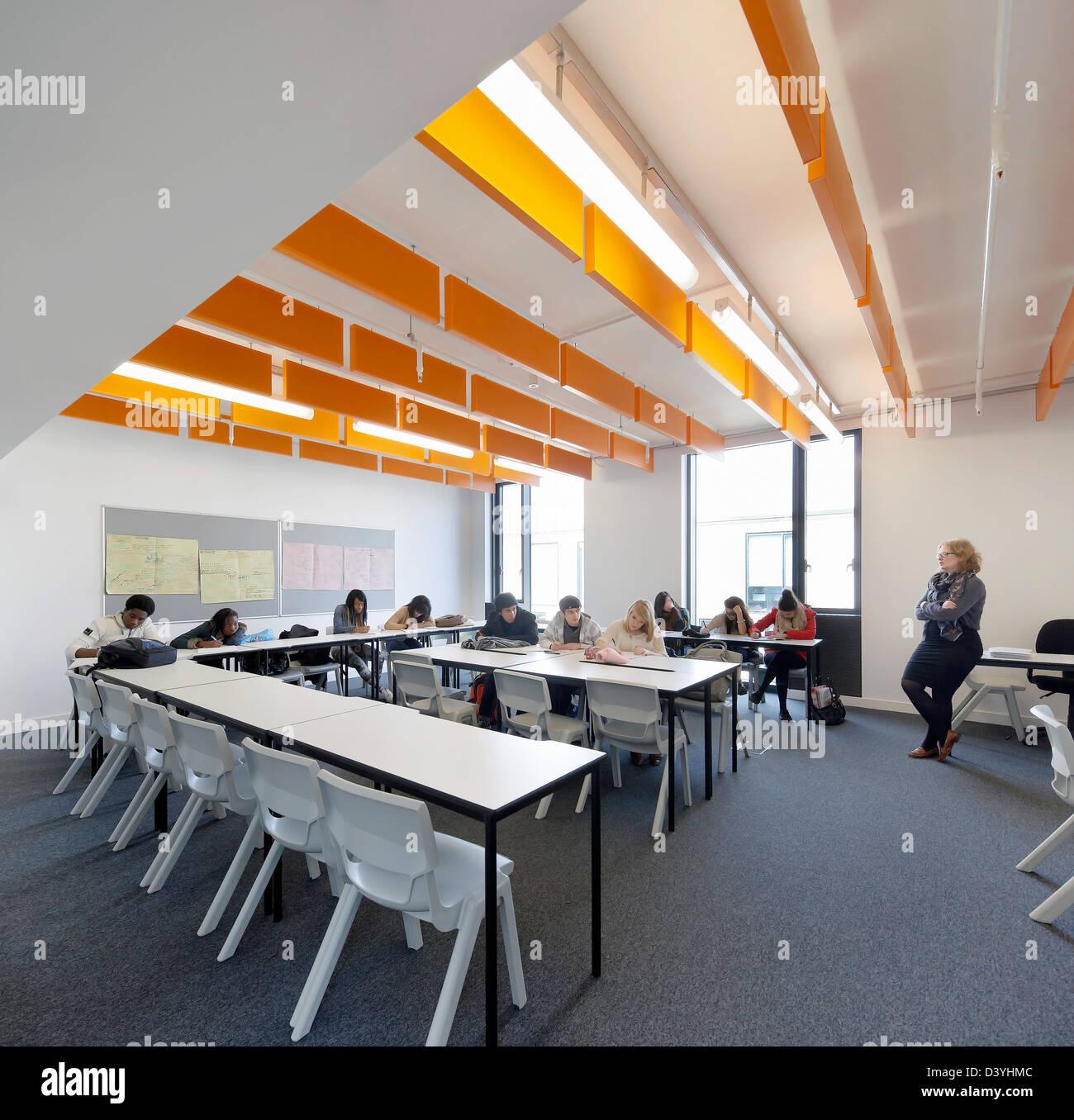 Thomas Tallis School, Greenwich, United Kingdom. Architect: John McAslan & Partners, 2012. Classroom. - Stock Image