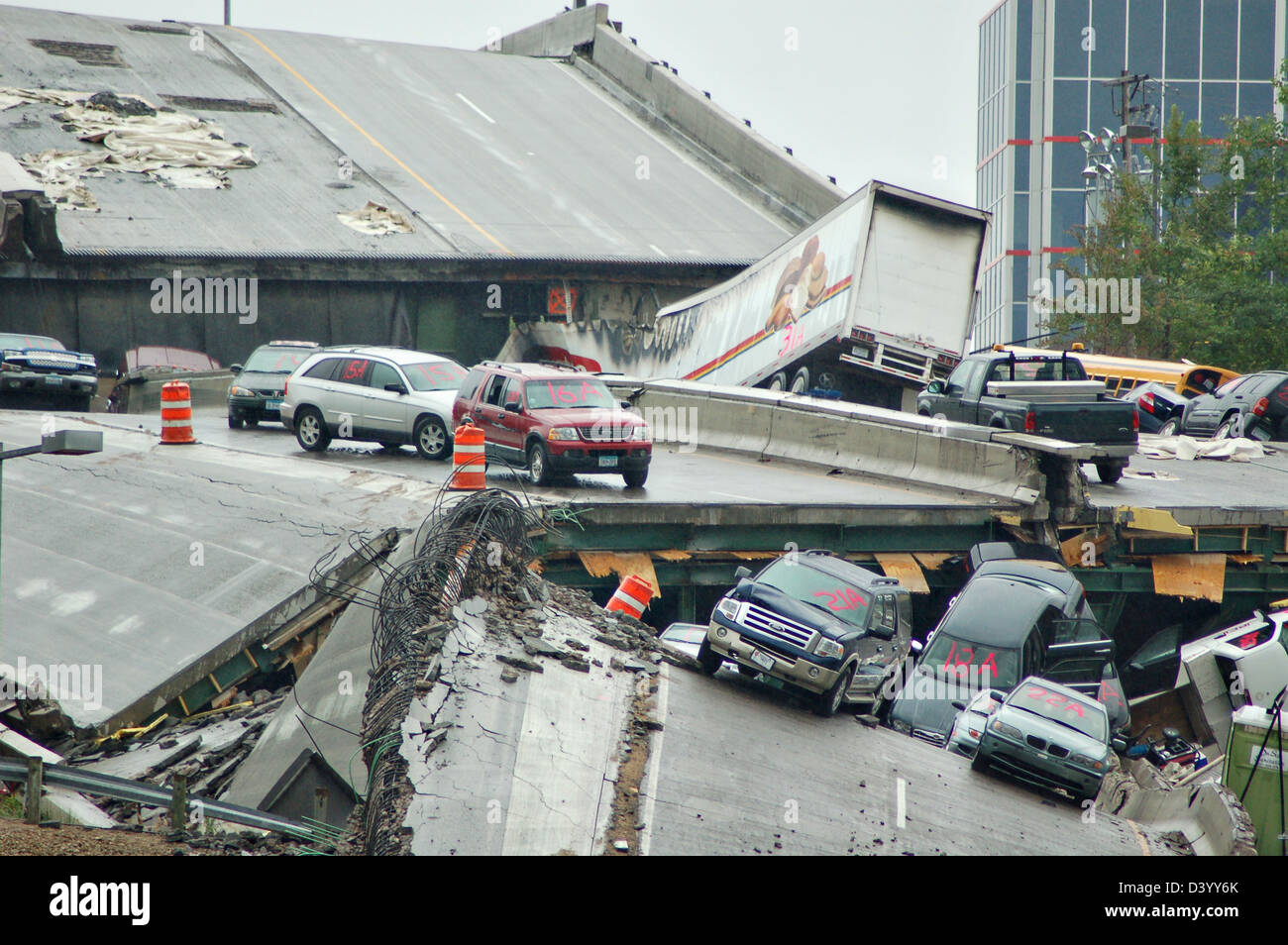 View of the remains of the I-35 bridge collapse August 4, 2007 in Minneapolis, MN. The bridge suddenly collapsed - Stock Image