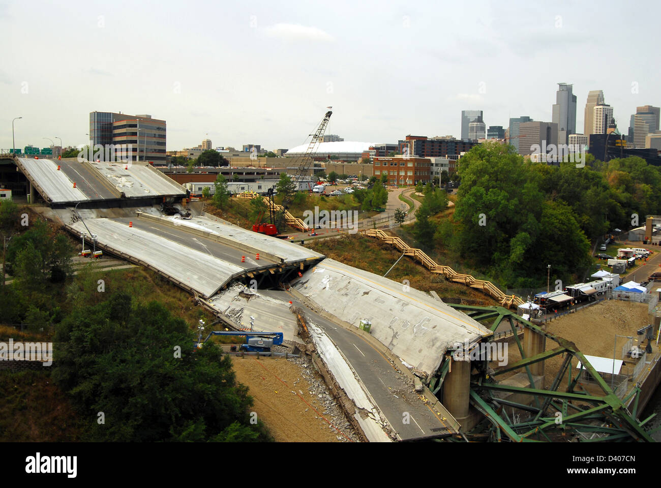 View of the remains of the I-35 bridge collapse August 14, 2007 in Minneapolis, MN. The bridge suddenly collapsed - Stock Image