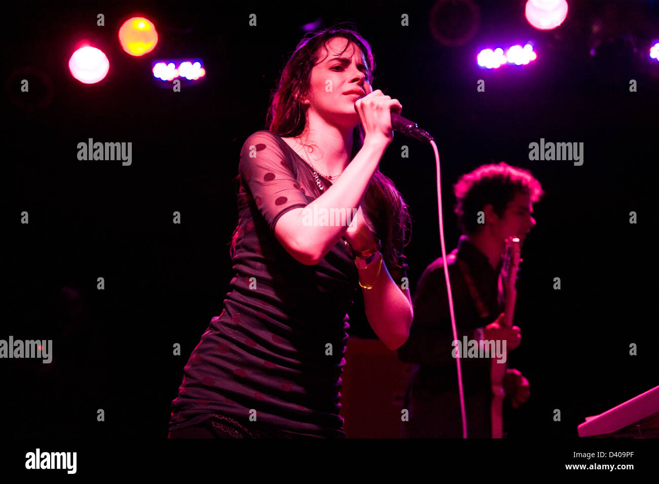 Teri Gender Bender performing with Bosnian Rainbows at Bottom Lounge in Chicago. - Stock Image