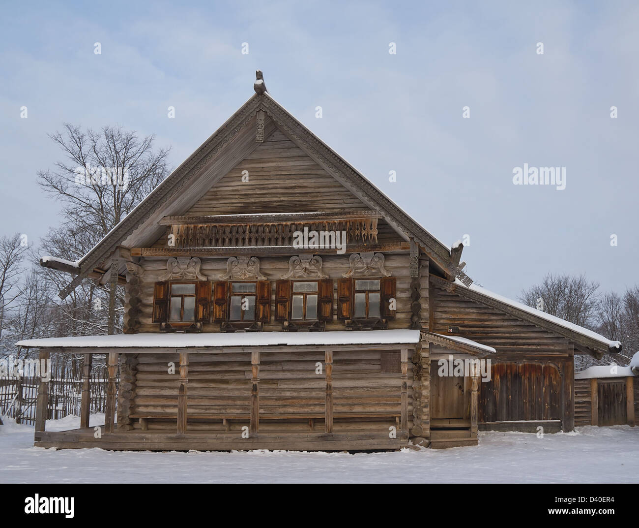 Russian peasant house (circa XIX c.) from Ryshevo village. Vitoslavlitsy open-air museum. Novgorod the Great, Russia - Stock Image