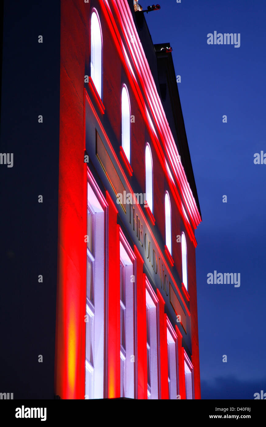 Floodlit facade to the Old Vic theatre on the Cut, Waterloo, London, UK - Stock Image