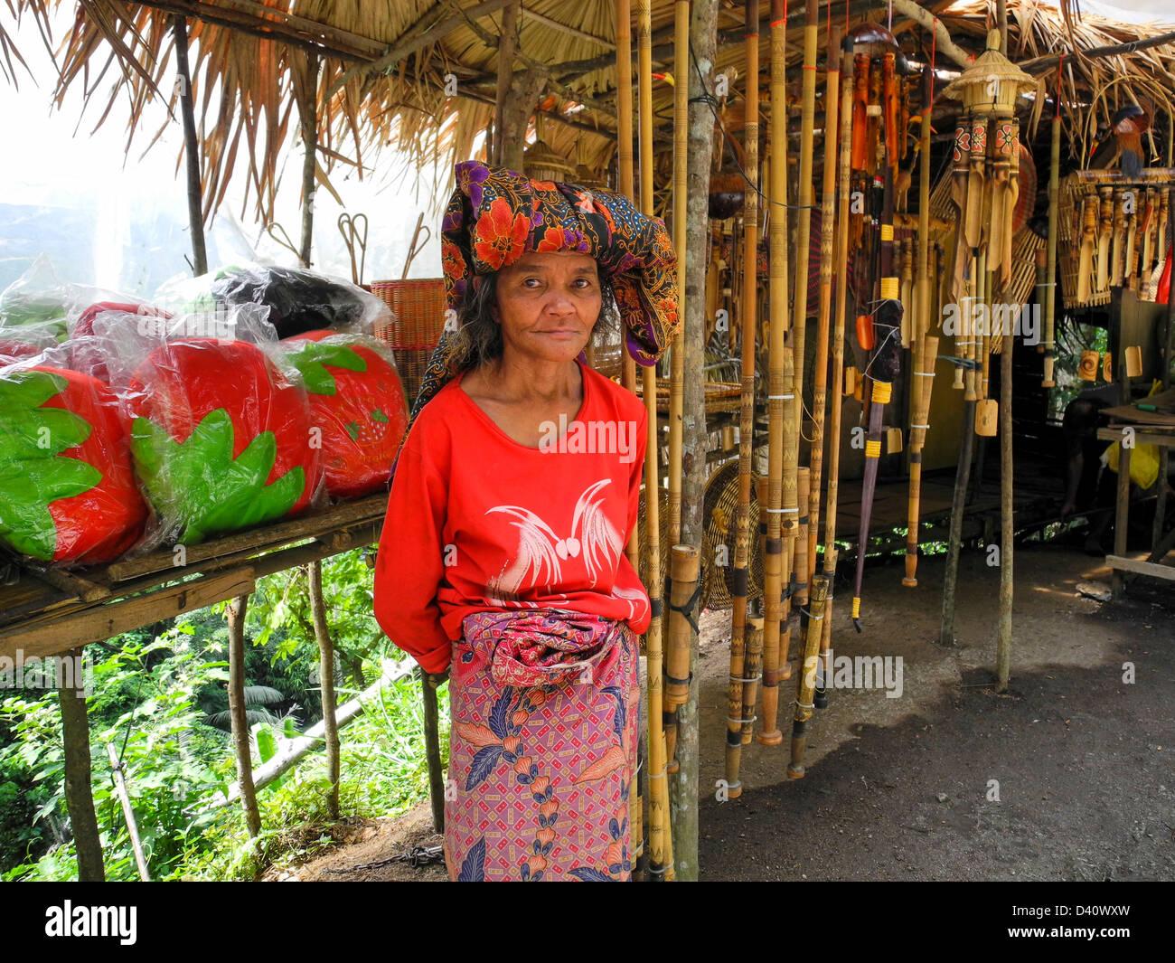 Asia Malaysia Cameron Highlands Orang Asli tribeswoman - Stock Image