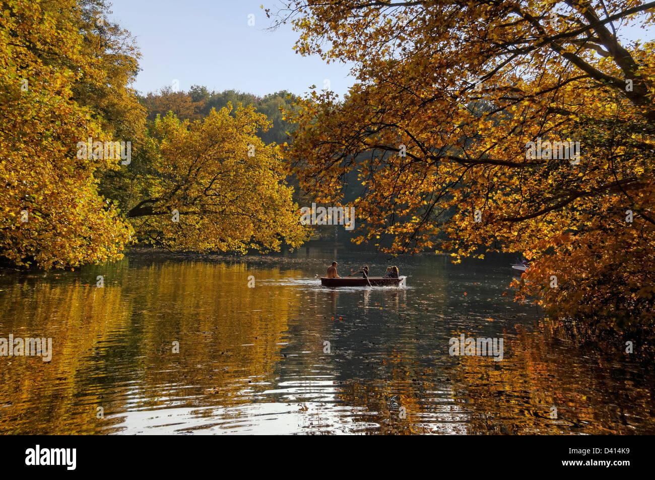 Lake in Tiergarten in autumn, Berlin Center Berlin, Germany - Stock Image