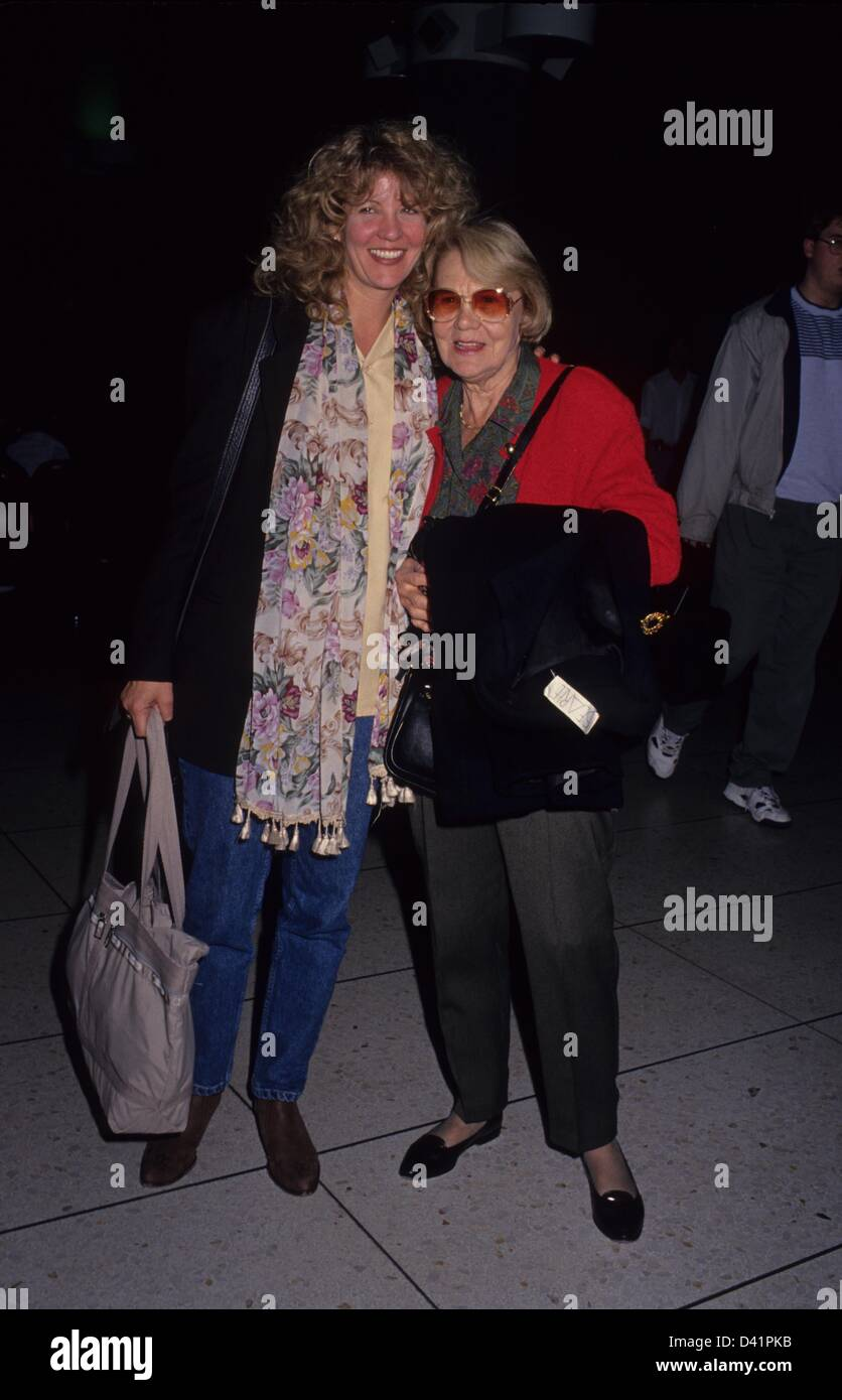 Joan Collins,Chloe Leland XXX gallery Roxanne Hart,Thelma White