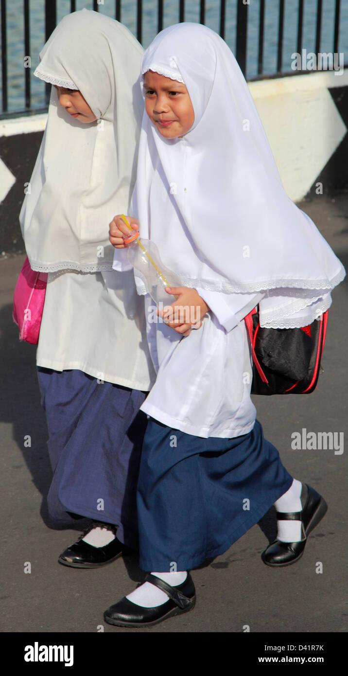 Brunei, Bandar Seri Begawan, schoolgirls, - Stock Image