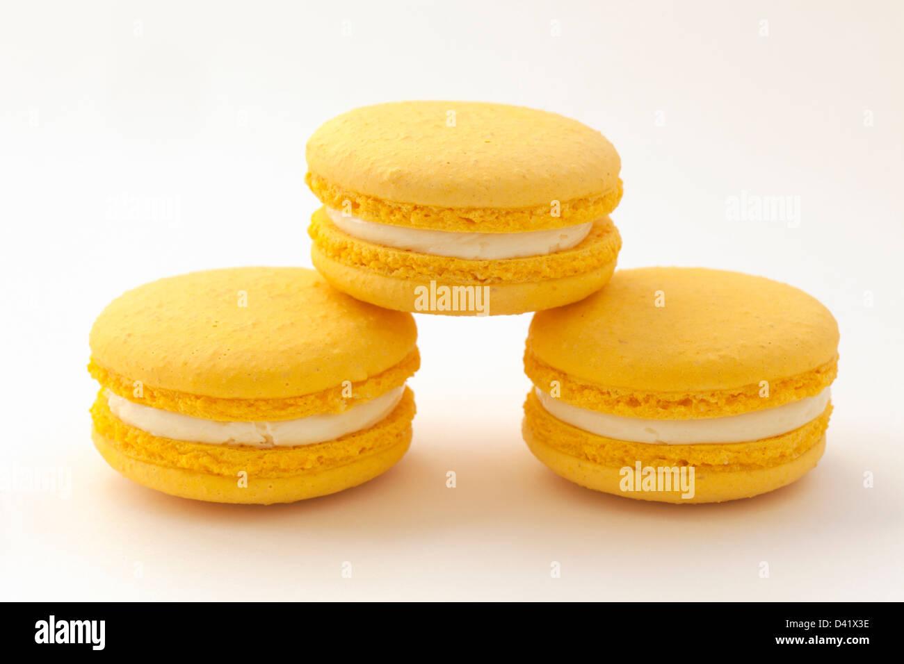Lemon flavoured macarons - Stock Image