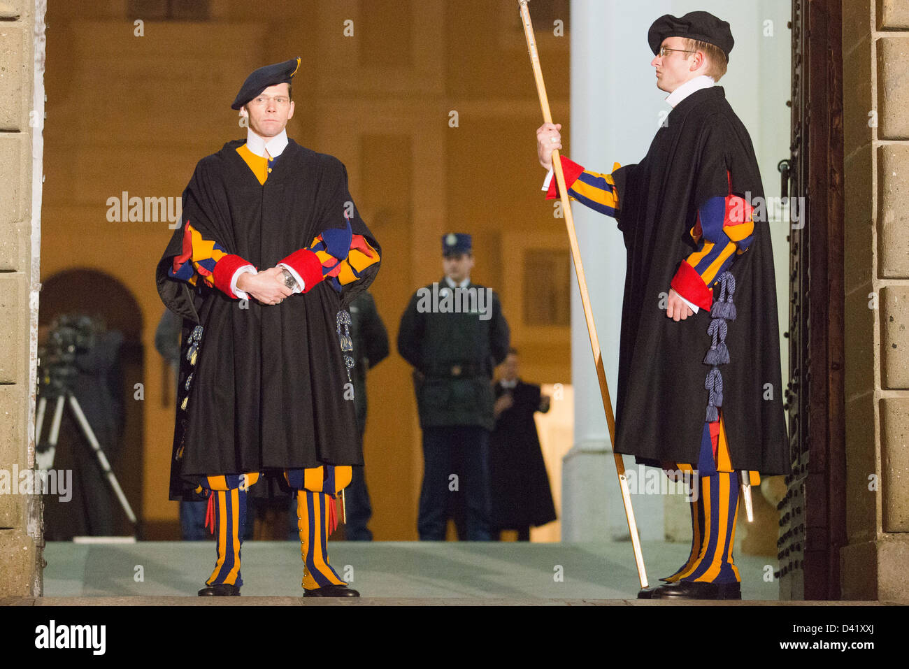 Swiss Guards guard the gate of the apostolic palace in Castel Gandolfo, Italy, 28 February 2013. Pope Benedict XVI - Stock Image