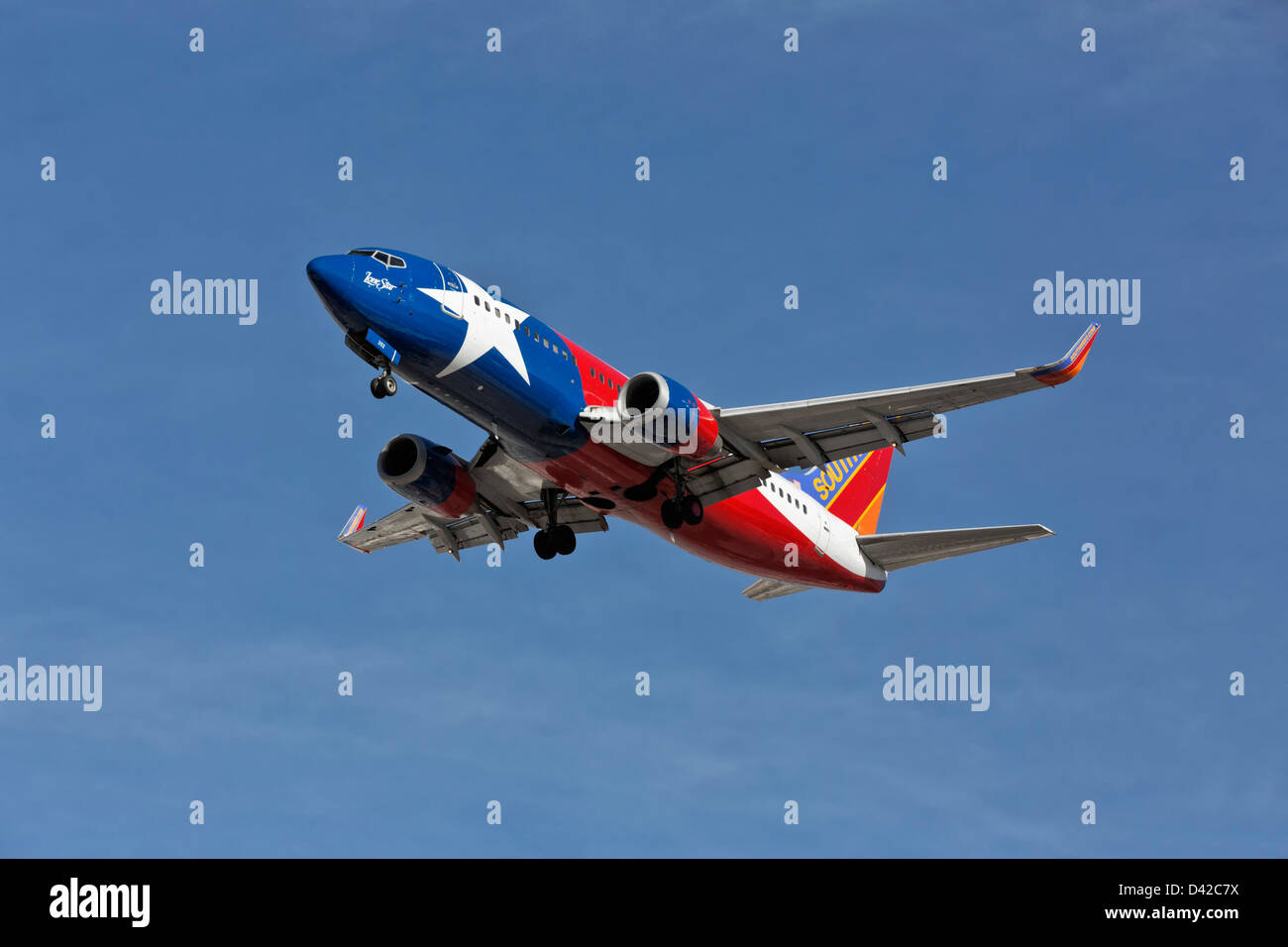 15db4e672521 A Boeing 737 of Southwest airline s on final approach - Special Texas state  paint scheme -