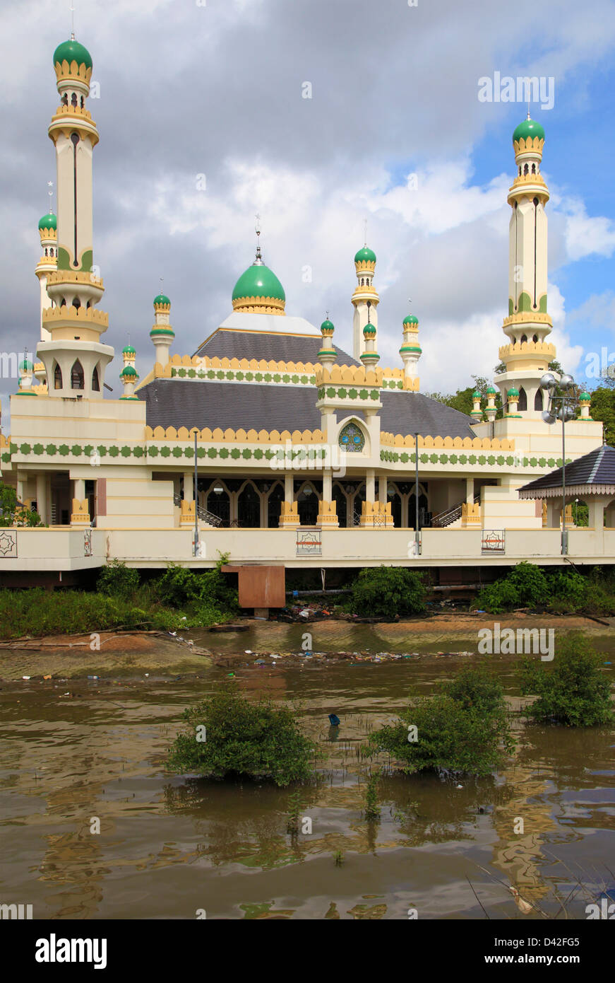 Brunei, Bandar Seri Begawan, Kampong Ayer, water village, mosque, - Stock Image