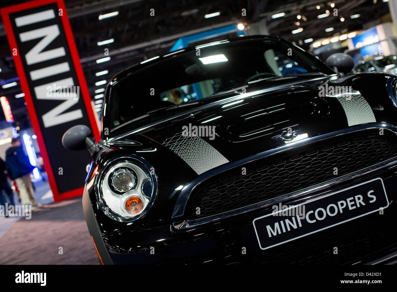 A Mini Cooper S on display at the 2013 Washington, DC Auto Show. - Stock Image