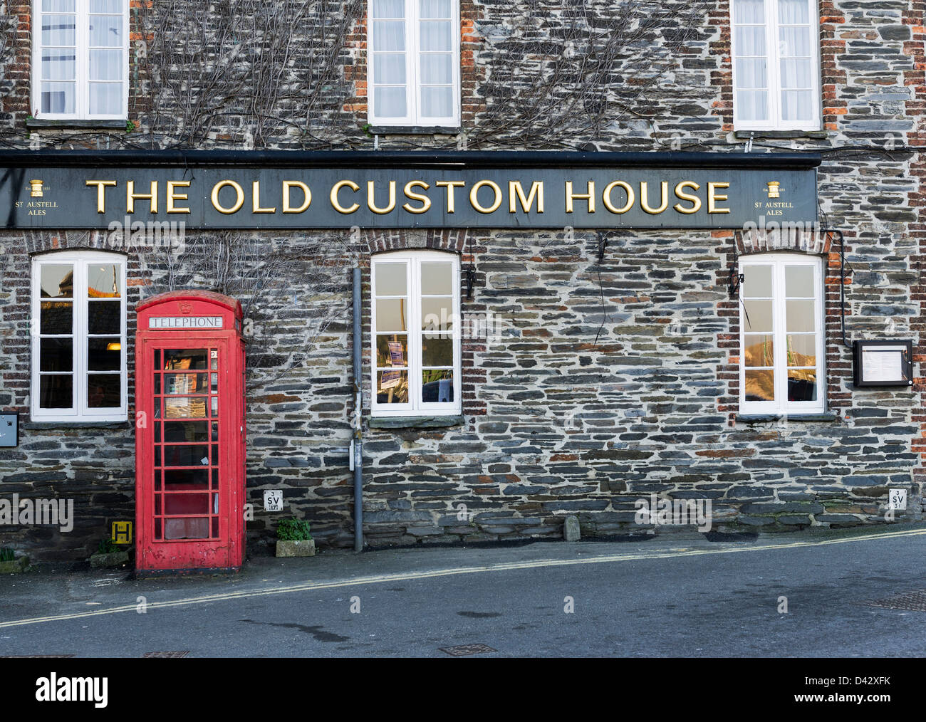 The Old Custom House pub in Padstow. Stock Photo
