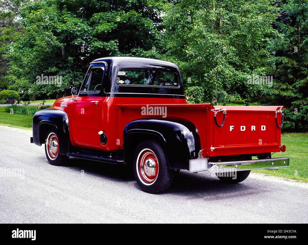 1953 ford f 100 pick up truck stock photo 54165758 alamy. Black Bedroom Furniture Sets. Home Design Ideas