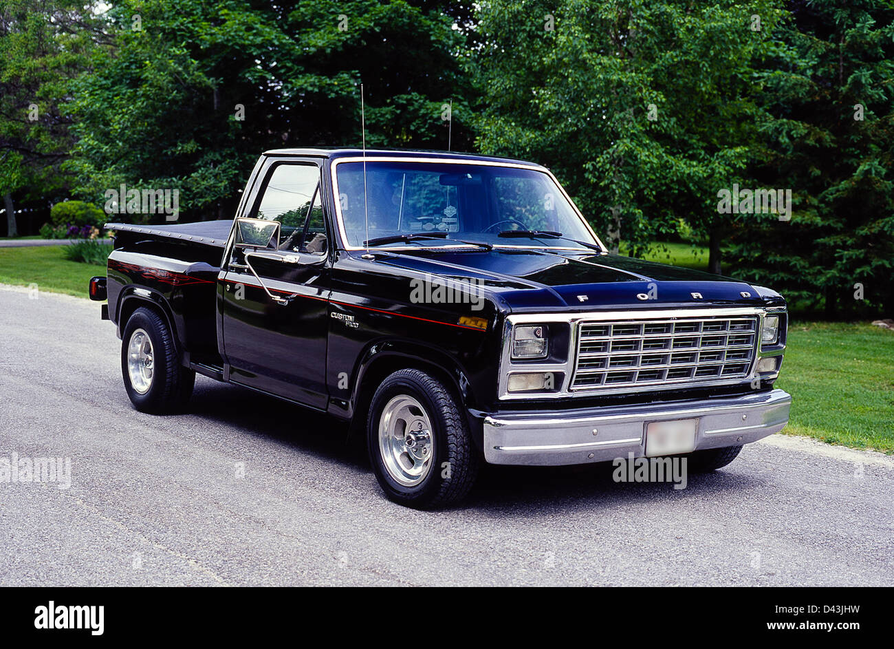 1980 ford f 100 pick up truck