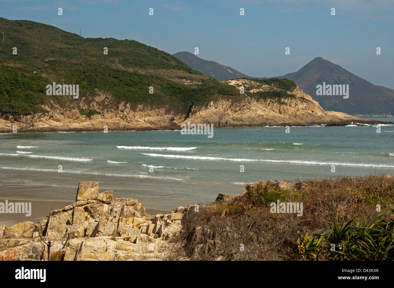 Coastal landscape with bay in the Sai Kung East Country Park along the South China sea, New Territories, Hong Kong - Stock Image