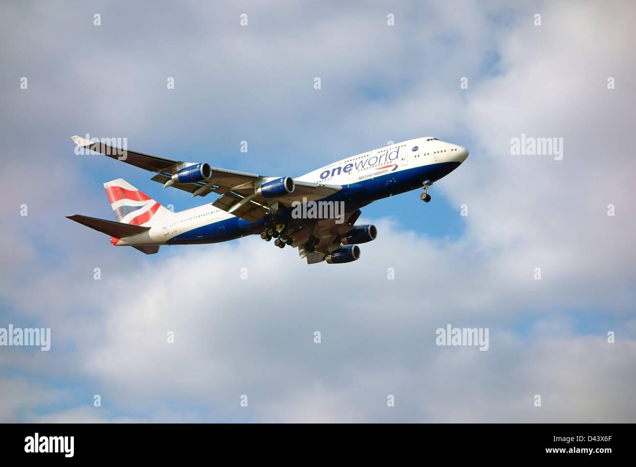 British Airways one world airplane 747 jumbo jet landing Stock Photo