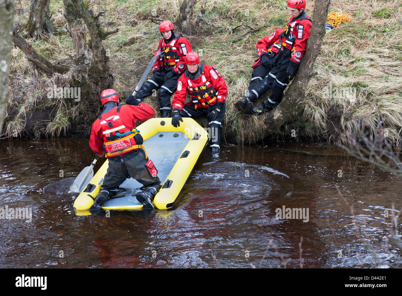 Durham and Darlington Fire and Rescue Service, Water Rescue Unit Training on the River Tees in Upper Teesdale County - Stock Image
