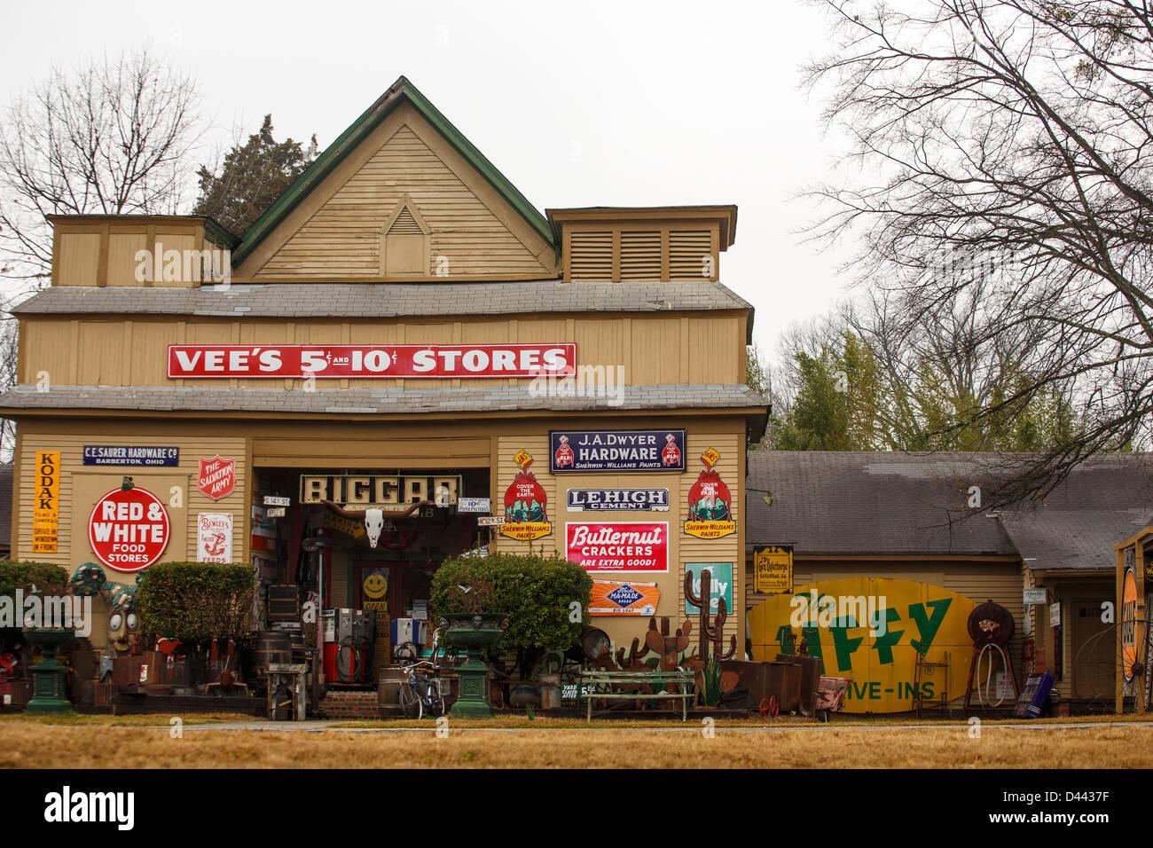 Junk Store Stock Photos & Junk Store Stock Images - Alamy