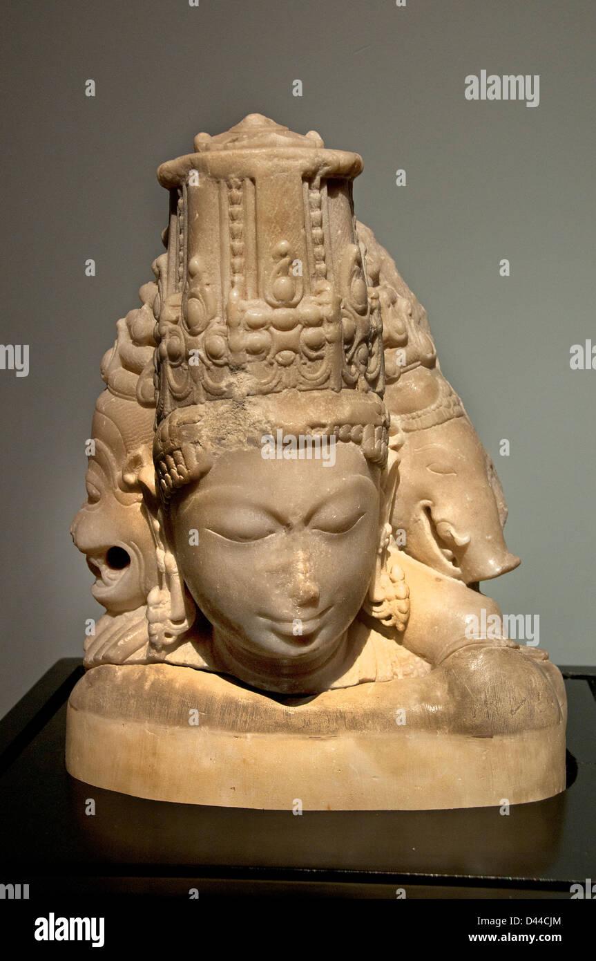 Vaikuntha Murti ( Chaturmurti or Vaikuntha Vishnu is a four-headed aspect of the Hindu god Vishnu ) 11 cent Gujarat - Stock Image