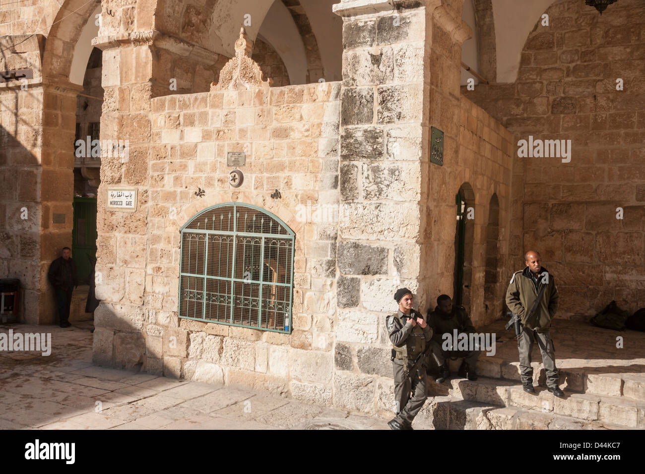 SONY DSCJerusalem, Israel. Israeli paramilitary police stand near the 'Moroccan gate' on the temple mount. - Stock Image