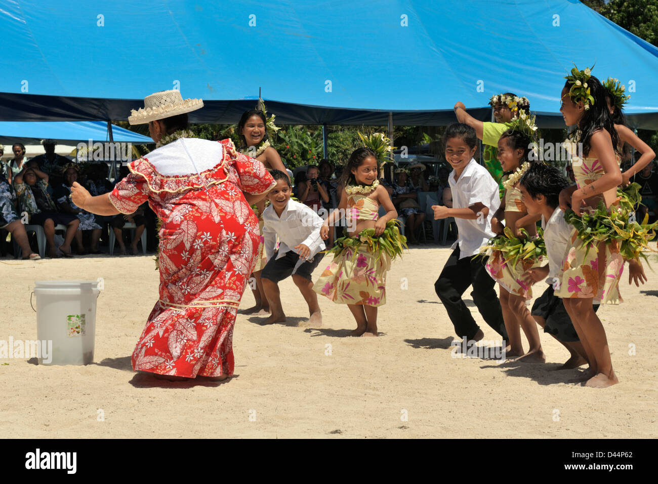 Youngsters dancing during the very public giving of money during Gospel Day event staged by the Cook Islands Christian - Stock Image
