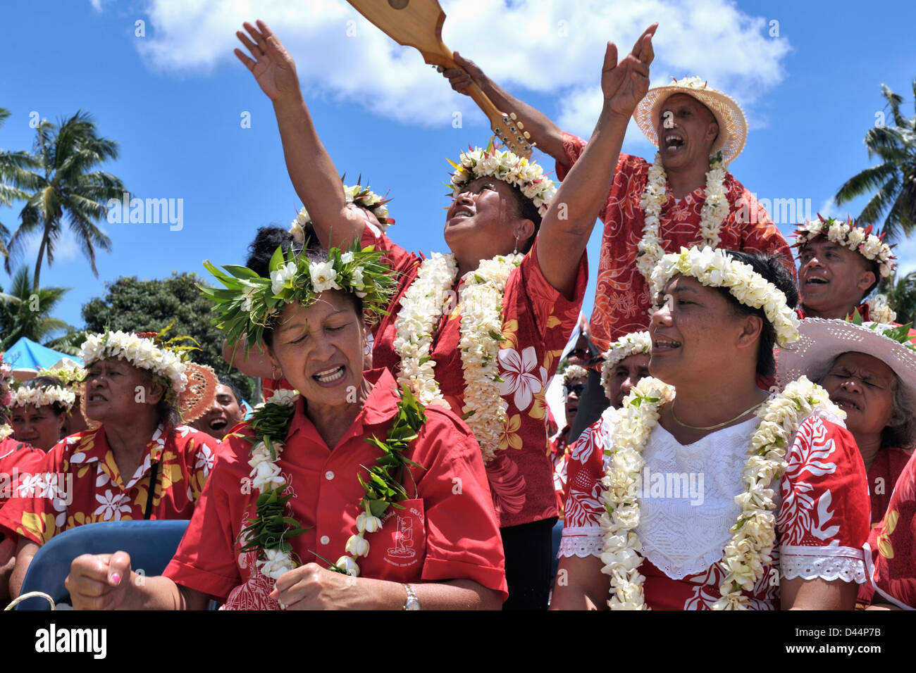 Gospel Day entertainment  by  TTC - Kapa Rima, from one of the 6 Cook Islands Christian Christian Church Ekalesias - Stock Image