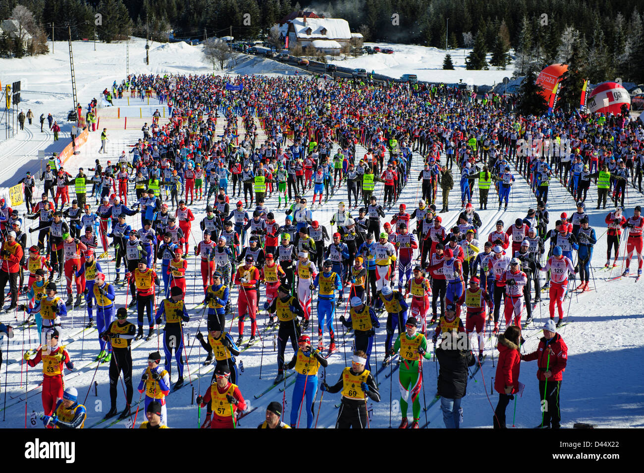 A general view of the participants of the Bieg Piastow cross-country race, Jakuszyce, Poland. - Stock Image