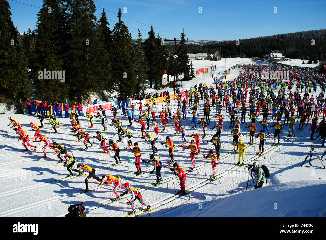 View of the great number of participants of the Bieg Piastow cross-country race, Jakuszyce, Poland. - Stock Image