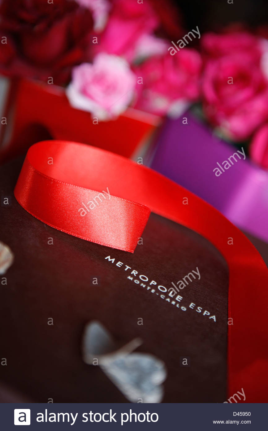 Red ribbon and flowers, Hotel Spa Metropole, Monaco - Stock Image