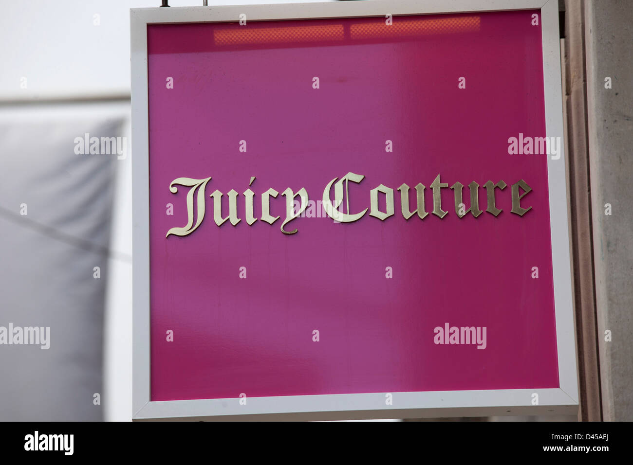 Sign for clothes shop Juicy Couture. - Stock Image