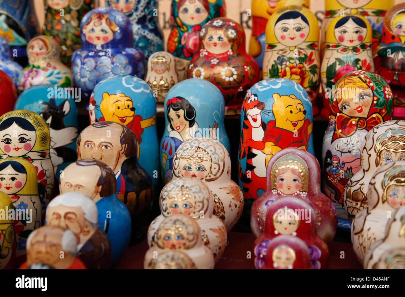 souvenirs matroschka puppen russian nesting dolls riga latvia stock photo 54207931 alamy. Black Bedroom Furniture Sets. Home Design Ideas