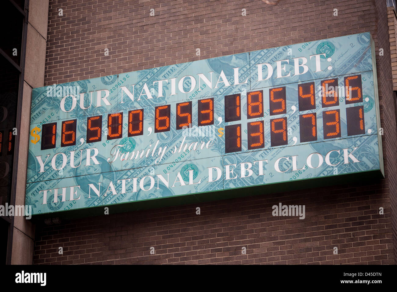 The National Debt Clock in New York showing the US debt as over $16 trillion - Stock Image
