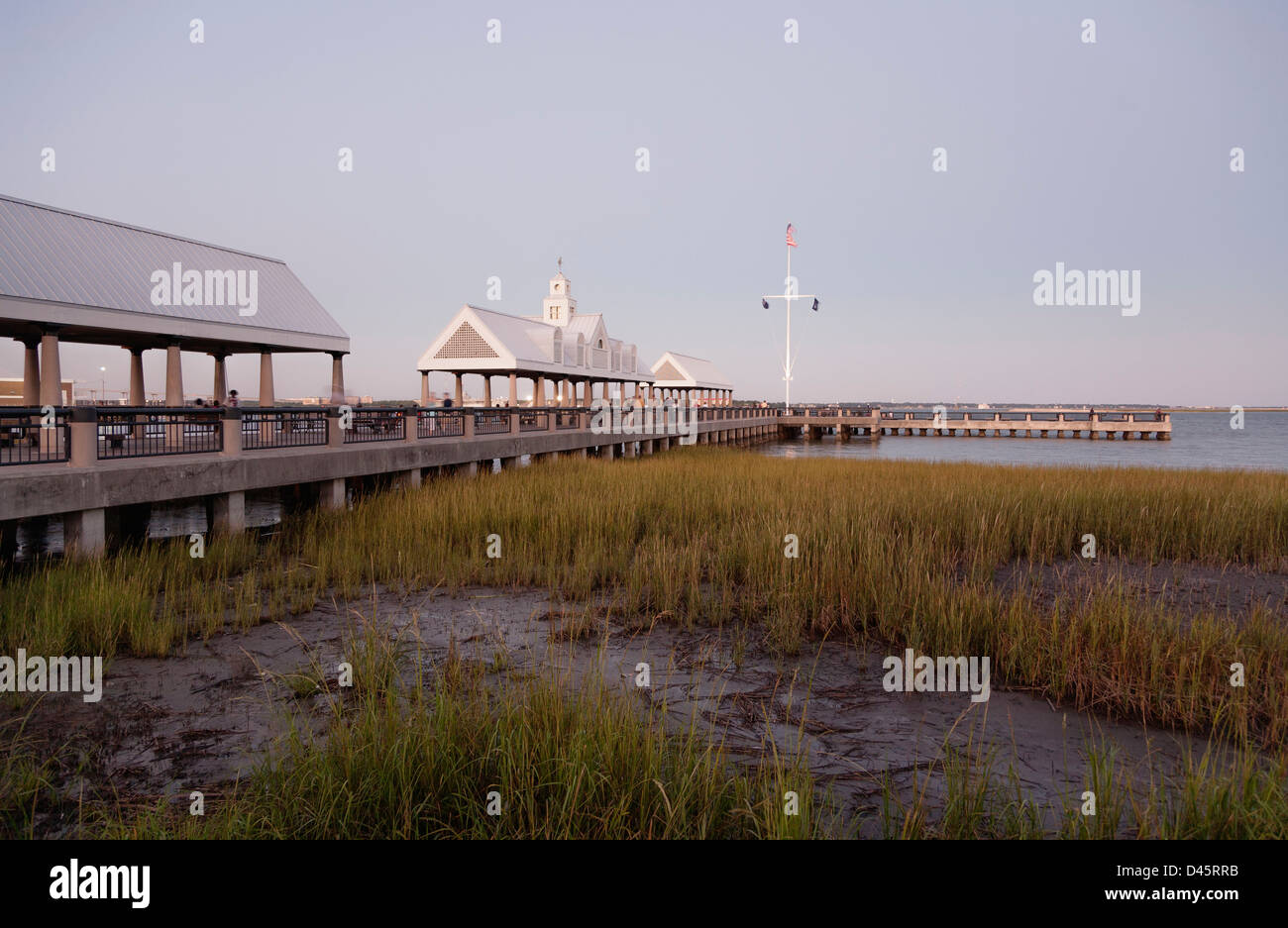 Vendue Wharf pier and Waterfront Park, Charleston, South Carolina, USA - Stock Image