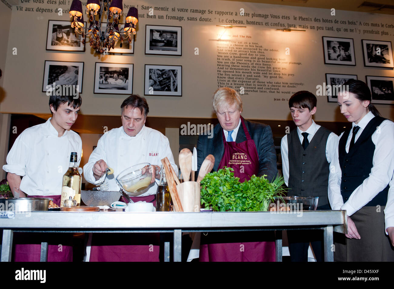 London, UK. 6th March 2013.  Mayor Boris Johnson meets Raymond Blanc and some of his new apprentices hired as part - Stock Image