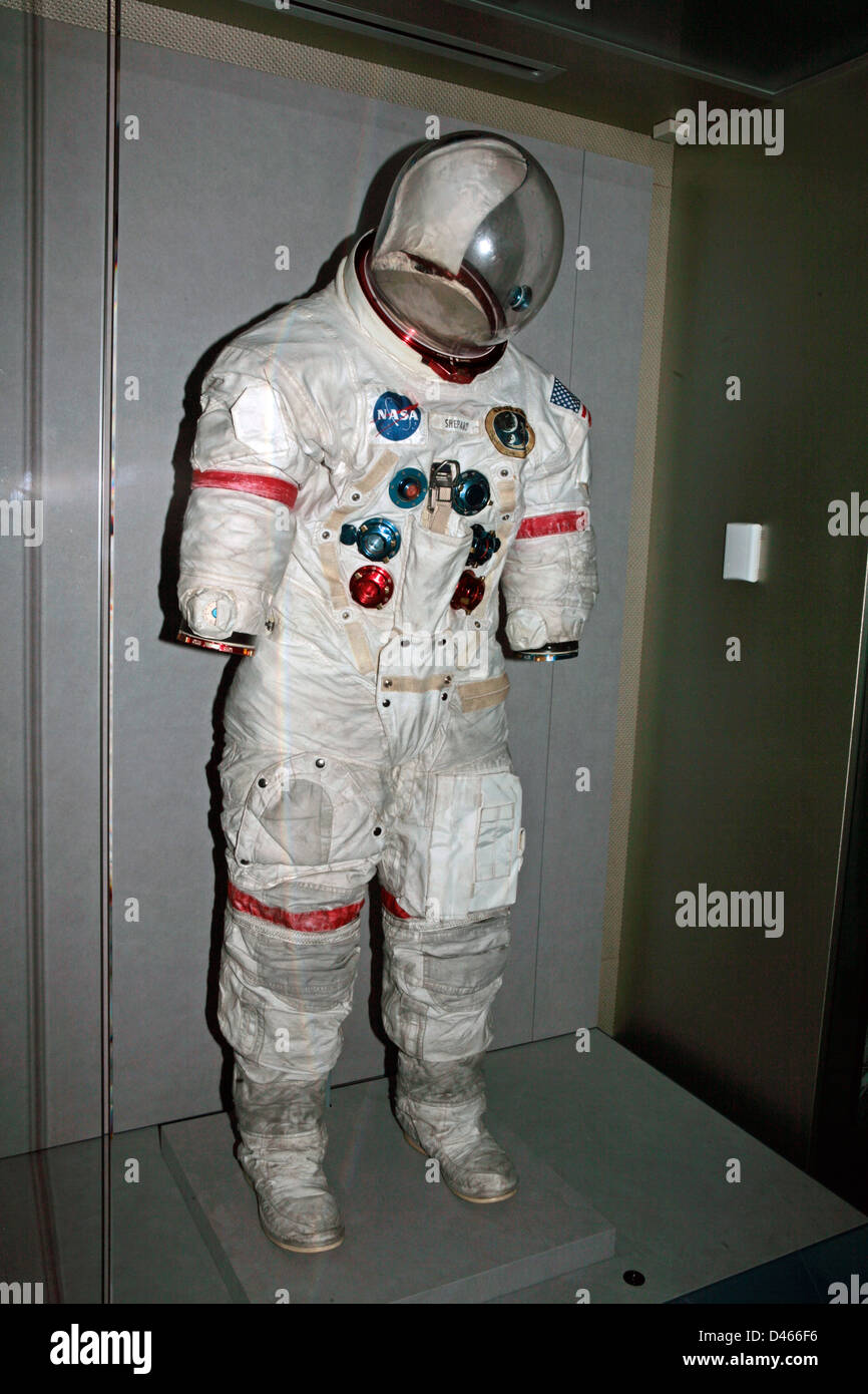 apollo a7l spacesuit - photo #19