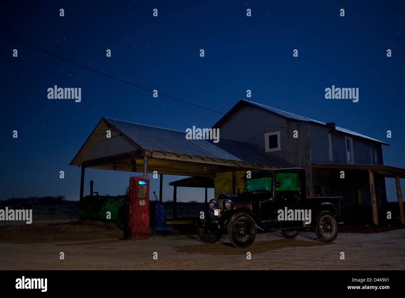 Old Gas Station Night High Resolution Stock Photography And Images Alamy