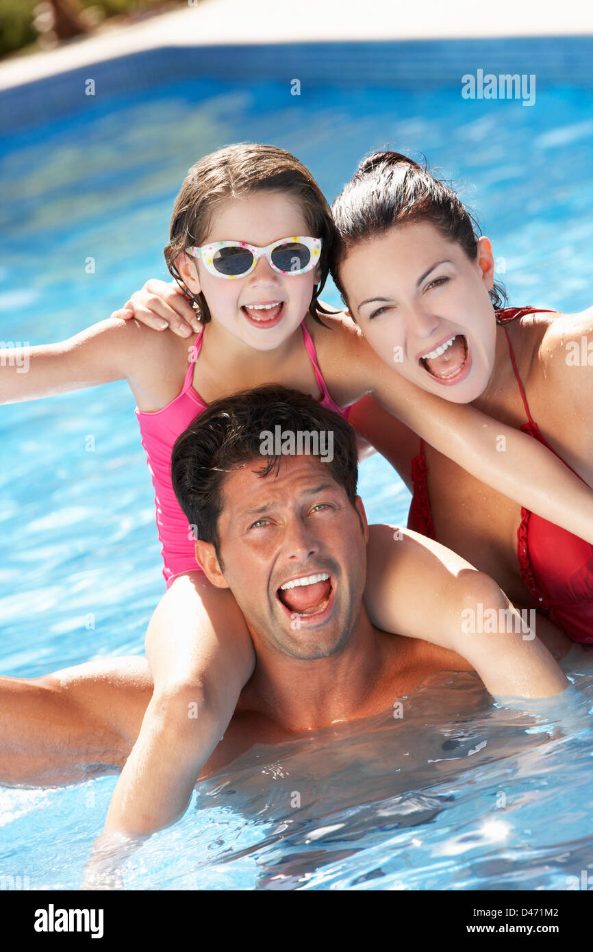 b0519a466227 5 Year Old Girl Wearing Sunglasses Stock Photos & 5 Year Old Girl ...