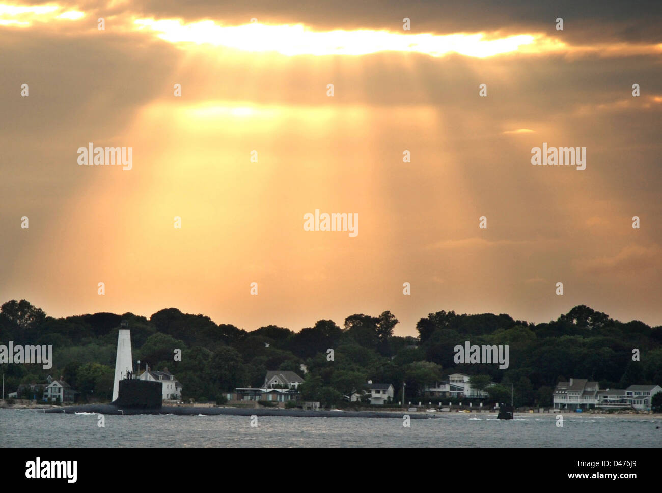 USS Texas departs Groton for her homeport in Pearl Harbor. - Stock Image