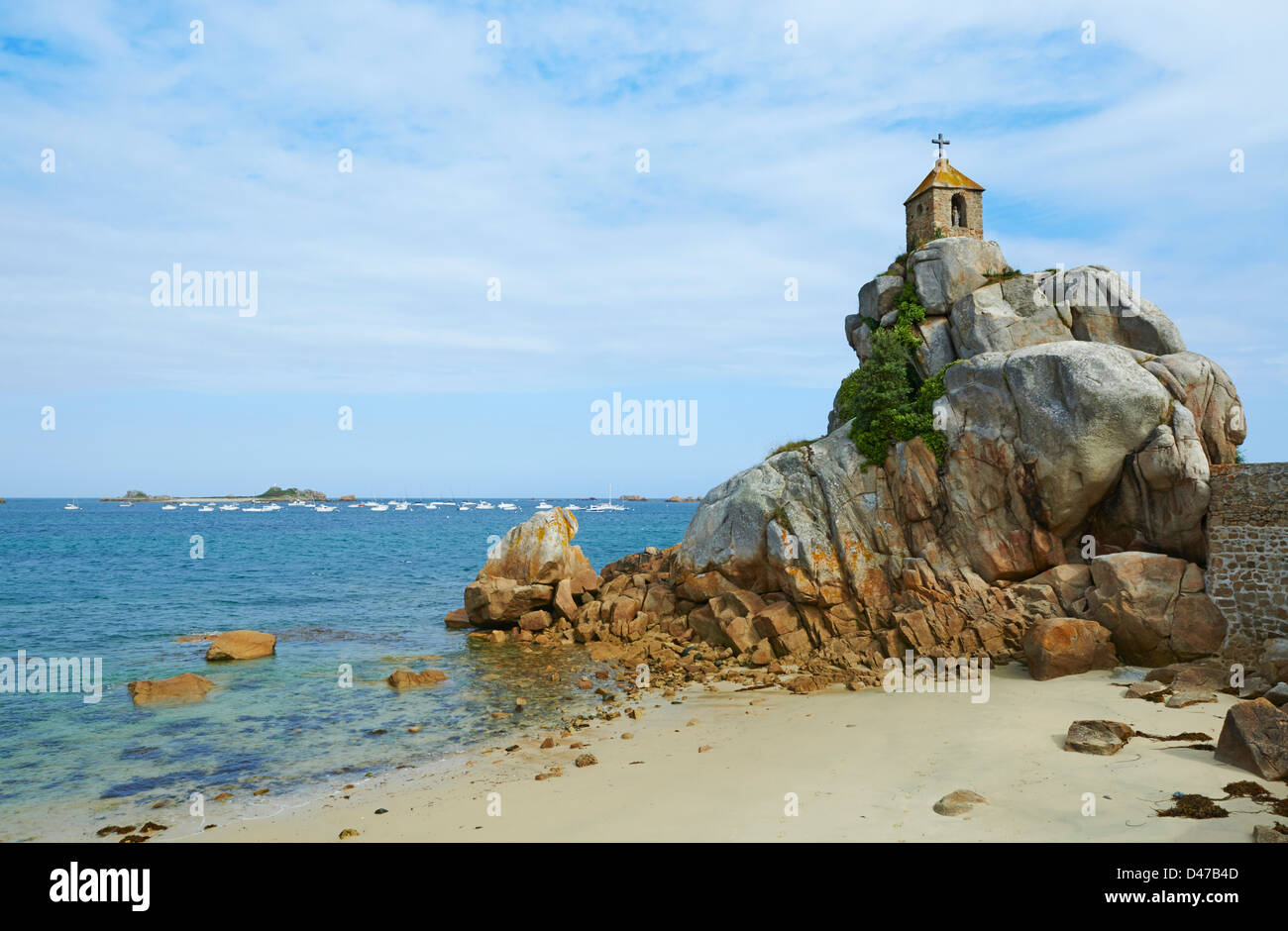 France, Brittany, Cotes d'Armor (22), Port Blanc, Notre Dame de Port Blanc church - Stock Image