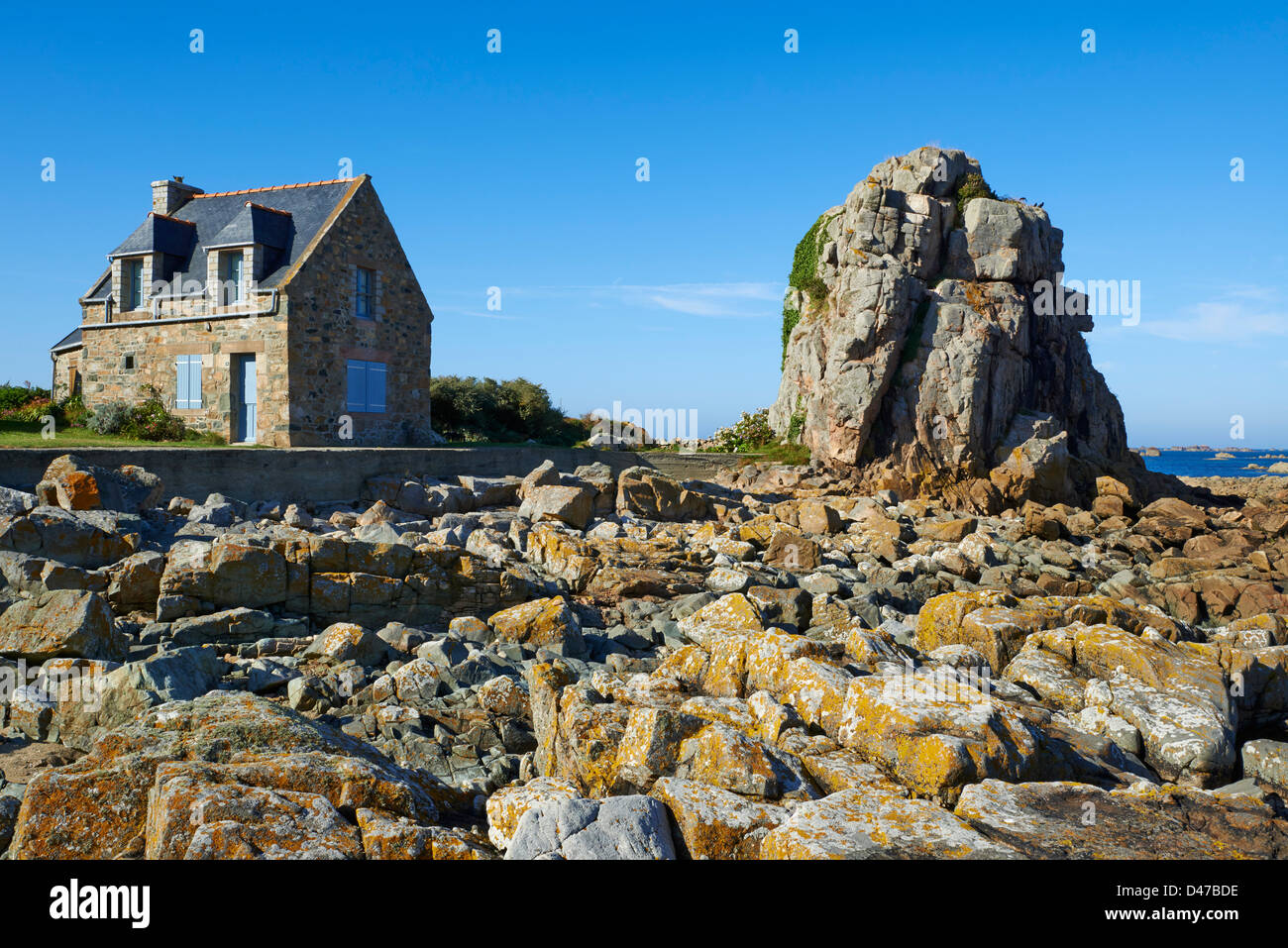 France, Brittany, Cotes d'Armor (22), Plougrescant, house on the coast - Stock Image